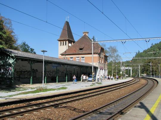 Kdysi živá stanice Bílovice nad Svitavou © PhDr. Zbyněk Zlinský