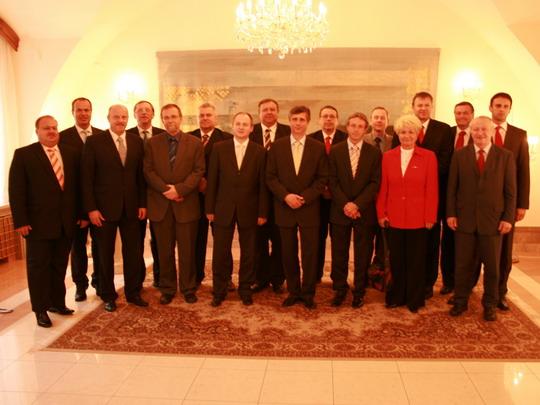 Setkání hejtmanů s předsedou vlády Janem Fišerem; zdroj: www.asociacekraju.cz