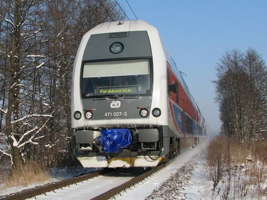 Zatím jedinými novými vozidly ČD pro regionální dopravu jsou jednotky řady 471 (Hradec Králové, 6.1.2009) © PhDr. Zbyněk Zlinský
