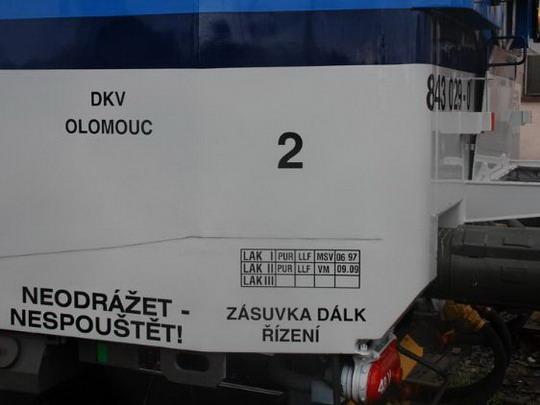 Dislokace a tabulka laků vozu 843.029-0 v PJ Olomouc dne 11..10.2009 © Radek Hořínek - ZOBRAZ!