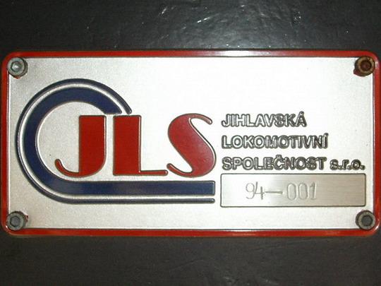 Původní logo JLS na výrobním štítku stroje 799.002-1 (Liberec, 22.9.2007) © PhDr. Zbyněk Zlinský