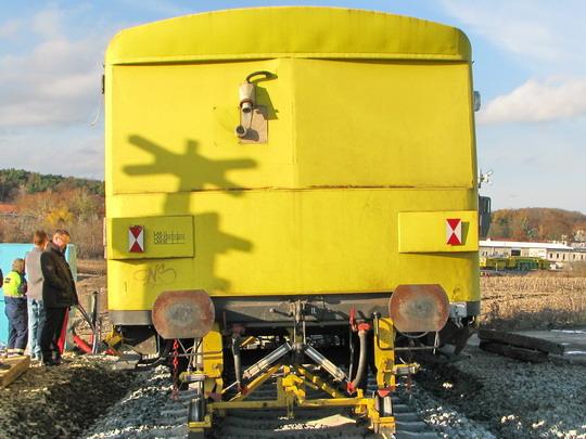 Zapisovací zařízení ASPATIC II na voze 50 54 01-29 010-9 u milovického přejezdu © PhDr. Zbyněk Zlinský