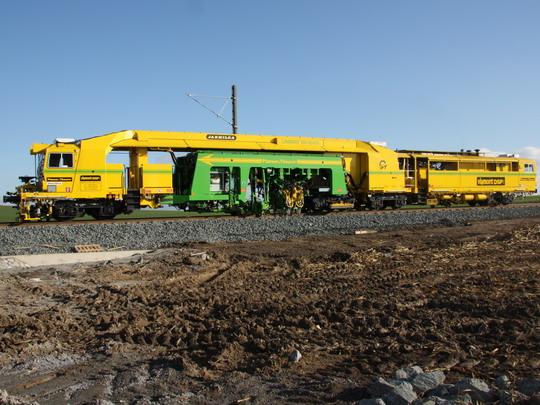 UNIMAT 09-16/4S na trati do Milovic © Ing. Richard Bauer