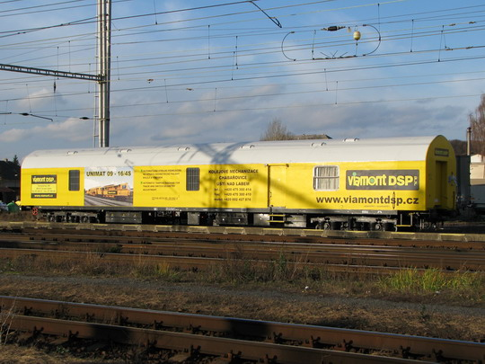 Rozloučení na lyseckém nádraží v podobě doprovodného vozu UNIMAT 09-16/4S © PhDr. Zbyněk Zlinský