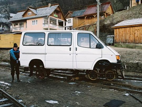 Změna směru jízdy drezíny Ford Transit (25.2.2008) © Jan Guzik