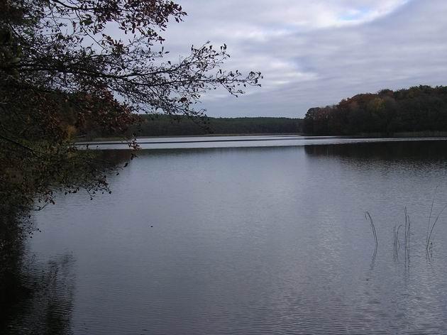 Jezero Czajcze v nejširším místě. 31.10.2009 © Aleš Svoboda