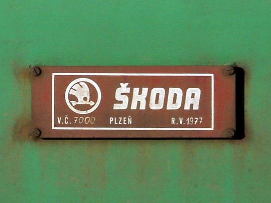Výrobní štítek lokomotivy 130.027-6 (10.1.2006 - Hradec Králové hl.n.) © PhDr. Zbyněk Zlinský