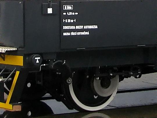 Brzda na přední nápravě a označení brzdového systému MUV 71.1.006 © PhDr. Zbyněk Zlinský