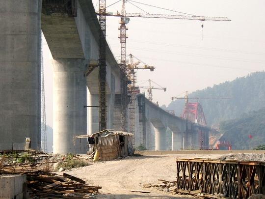 Betónové mosty vo výstavbe © F.Smatana