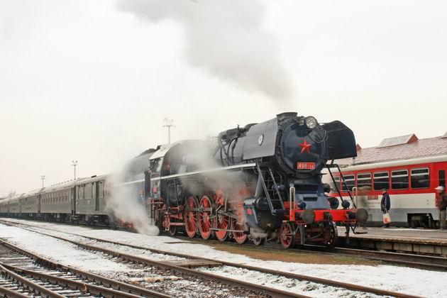 498.104 v ŽST Prievidza. 2. 1. 2010 © Jozef Michalko