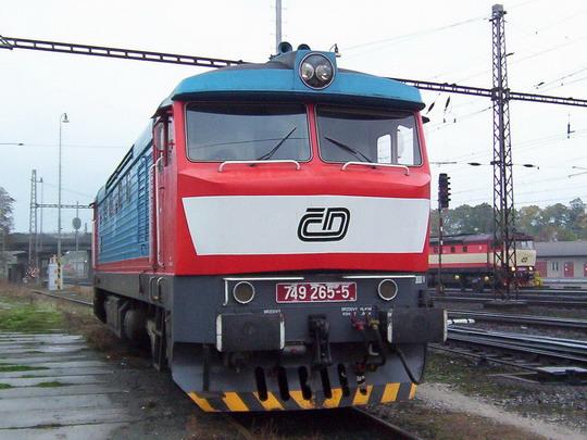 Lokomotiva 749.265-5 čeká v Zábřehu n.M. na další výkon © PhDr. Zbyněk Zlinský