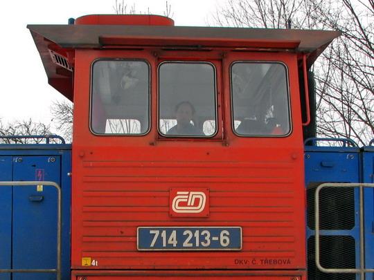 Poněkud udivený strojvedoucí vlaku Os 5507 © PhDr. Zbyněk Zlinský