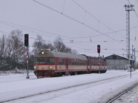954.214-3 + 854.015-5 přijíždí jako Sp 1870 Trutnov hl.n. - Kolín © PhDr. Zbyněk Zlinský