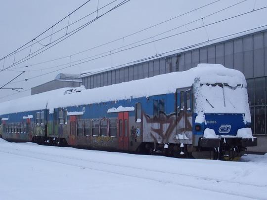 """Modrý """"Kraken"""" v České Třebové možná dlouho nezůstane (11.01.2010) © Miloslav Bednář"""