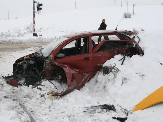 Střetnutí na přejezdu v Novém Městě na Moravě dne 12.1.2010 © Drážní inspekce