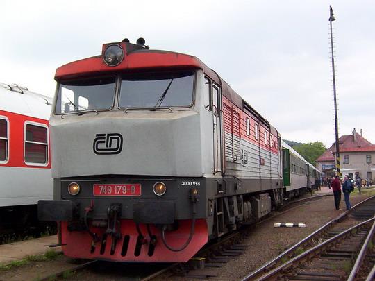 """749.179-8 na  R 680 """"Nisa"""" Pardubice - Liberec ve Staré Pace © PhDr. Zbyněk Zlinský"""