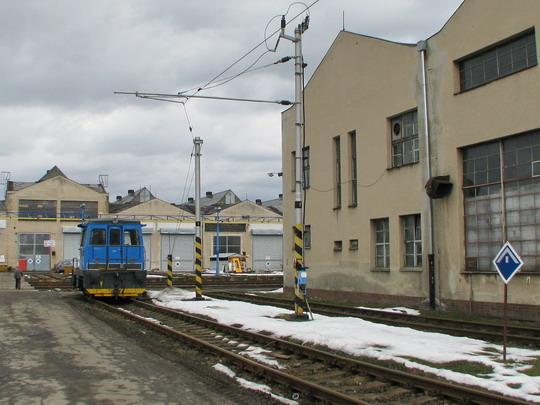Zkušební tramvajová kolej a místní 703.002-6 © PhDr. Zbyněk Zlinský