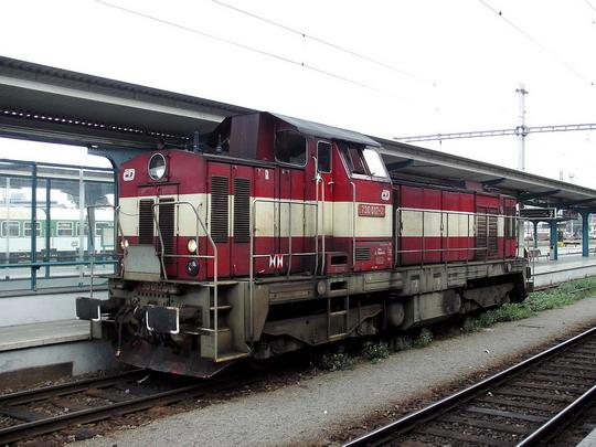 730.012-2 při posunu v žst. Hradec Králové hl.n. dne 26.8.2006 © PhDr. Zbyněk Zlinský