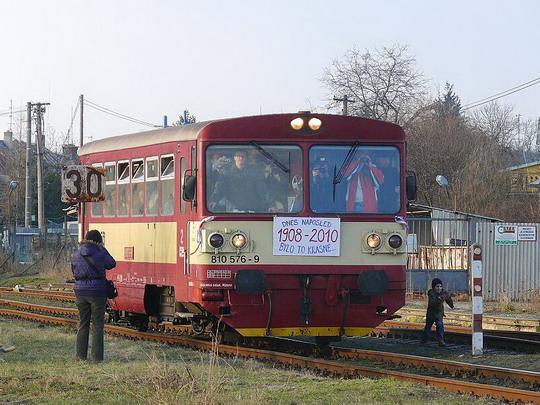 810.576-9 přijíždí do Dobrušky jako poslední Os 25110 (6.3.2010) © Václav Vyskočil