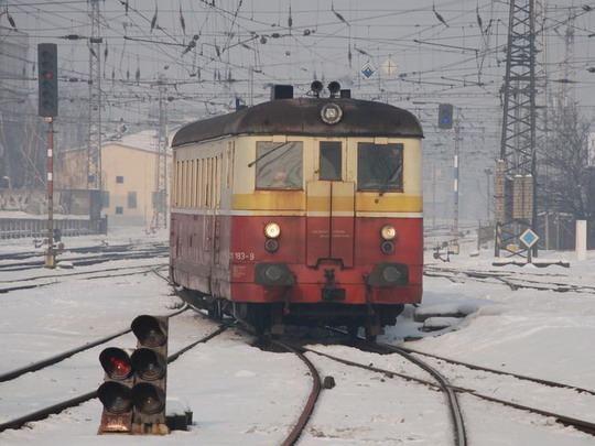 24.1.2010 - Olomouc hl.n.: 831.183-9 na Os 3530 místo 814/914 © Radek Hořínek