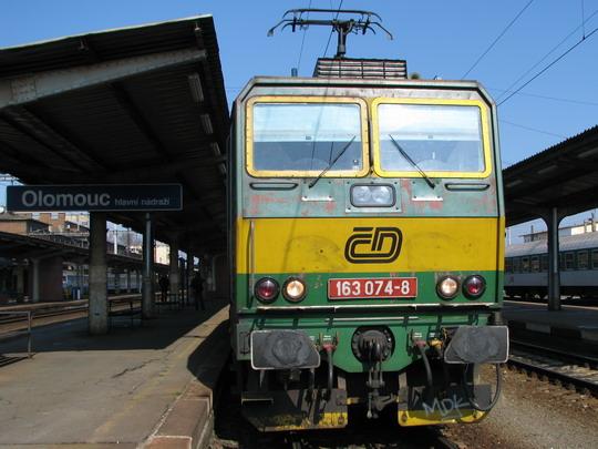 163.074-8 v čele Os 3763 Olomouc - Přerov © PhDr. Zbyněk Zlinský