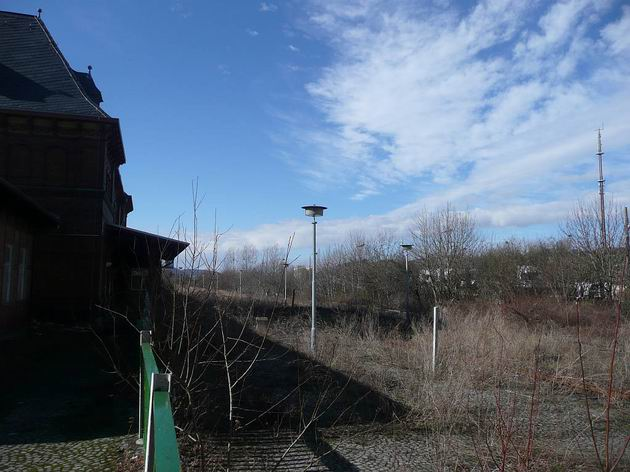 Nepoužívané kolejiště normálněrozchodného nádraží v Gernrode. 28.2.2010 © Tomáš Kraus