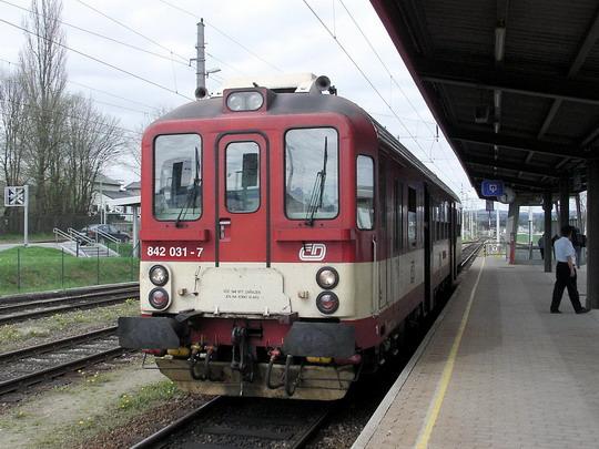 842.031-7 po příjezdu do cílové stanice jako Sp 1971 Veselí nad Lužnicí - Gmünd NÖ © PhDr. Zbyněk Zlinský