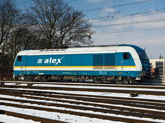 223.072 společnosti Arriva/ALEX čeká v Plzni na svůj rychlík © Jiří Řechka