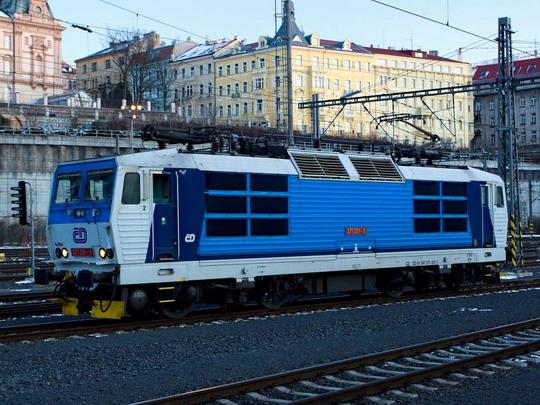 371.201-5 na pražském hlavním nádraží © Jiří Řechka