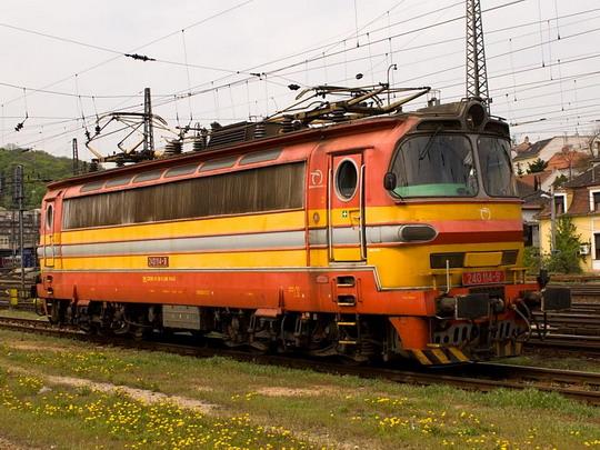 240.114-9 v žst. Bratislava hl.st. © Jiří Řechka