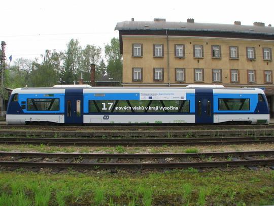 Regio-Shuttle coby vozidlo ČD, olepené reklamou © PhDr. Zbyněk Zlinský