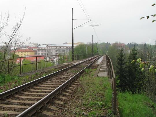 Most přes údolí řeky Jihlavy na někdejší spojovací dráze © PhDr. Zbyněk Zlinský