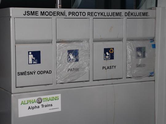 20.05.2010 - v Desiru se třídí odpad © Radek Hořínek