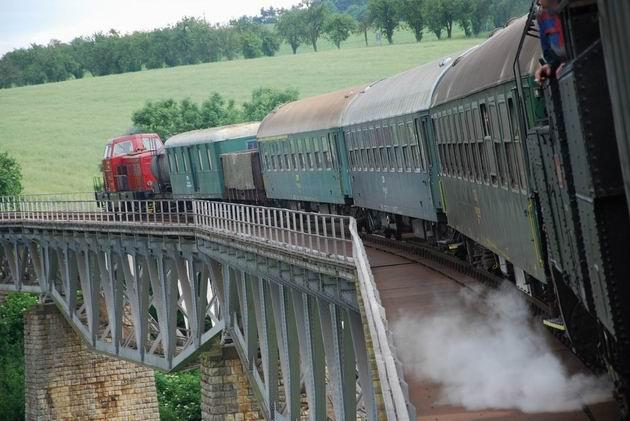 Konvoj na Myjavskom viadukte. © Ivan Wlachovský