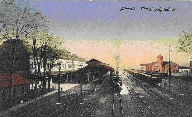 Pôvodná železničná stanica Tiskej železnice v Miskolci, pohľad do koľajiska.