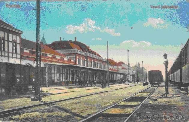 Pôvodná železničná stanica Tiskej železnice v Szolnoku, pohľad od koľajiska.