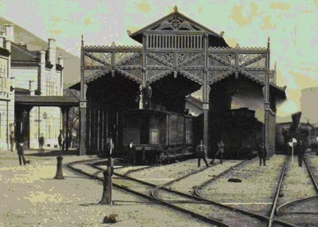 Pôvodná železničná stanica Tiskej železnice v Košiciach, drevený prístrešok.