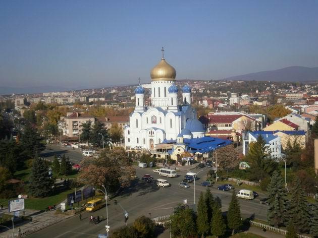 Užhorod, nově zbudovaný pravoslavný chrám, 28.10.2010 © Jiří Mazal