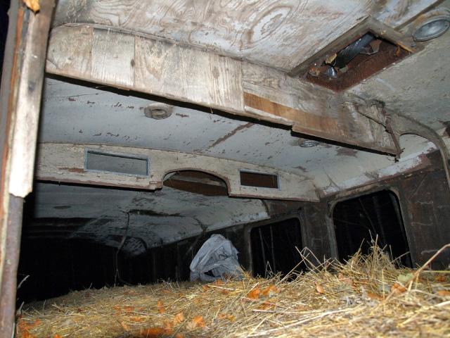"""Pozostatky interiéru druhej polovice """"Arpáda"""" pri jaskyni Driny"""