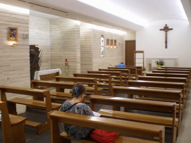 Nádražní kaple ve stanici Roma Termini. 7.7.2010 © Jan Přikryl