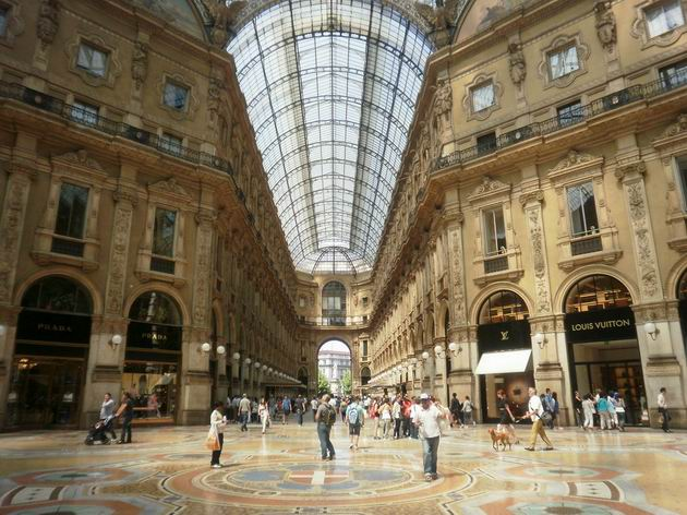 Milano,Galleria Vittorio Emanuele, 29.5.2011. © Jiří Mazal