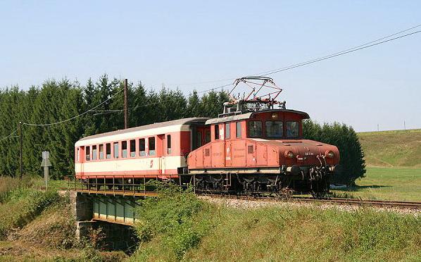 E22004 na trati Linzer Lokalbahn ako ruseň pre osobnú dopravu © archív Roman Delikát