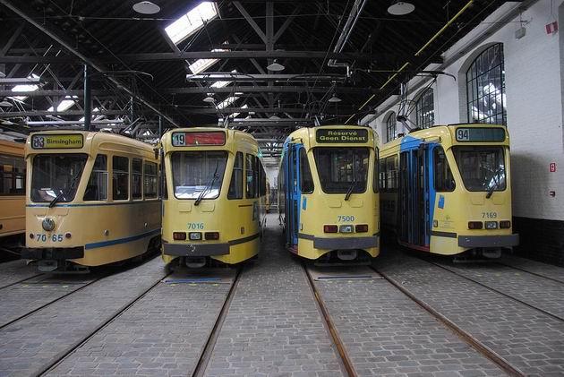 Brusel: různé variace na téma PCC tramvaje od počátku 50. let do současnosti v tramvajovém muzeu. 21.8.2011 © Lukáš Uhlíř