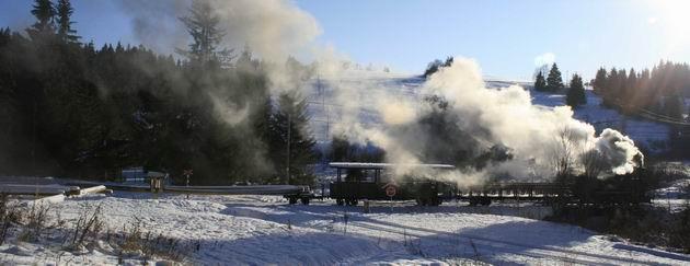 15. 12. 2011 vlak po odchode zo stanice Tanečník © B. Dolník
