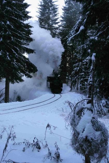 15. 12. 2011 lokomotíva Gontkulák na trati © foto B. Dolník