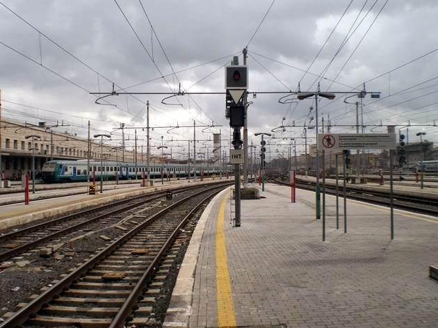 Řím: celkový pohled na zhlaví nádraží Termini. 6.3.2012 © Jan Přikryl