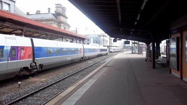 Štrasburk: souprava TGV Réseau za chvíli odjede do Paříže. 2.7.2012 © Jan Přikryl