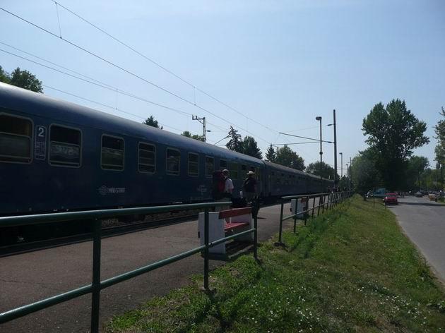 Balatonszárszó: souprava vlaku Sátoraljaújhely - Keszthely © Tomáš Kraus, 18.8.2012