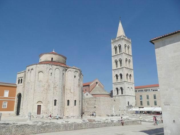 Zadar: kostel sv. Donáta a za ním kostel sv. Stošije © Tomáš Kraus, 21.8.2012
