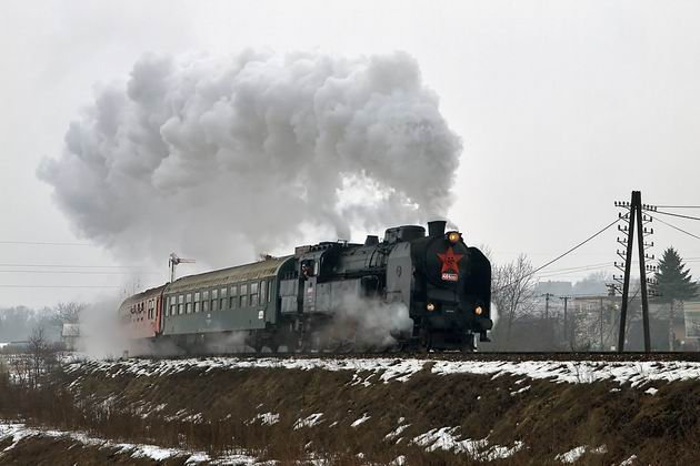 464.001 v �ele vlaku Os 31021 nad Chrenovcom © Marián Rajnoha